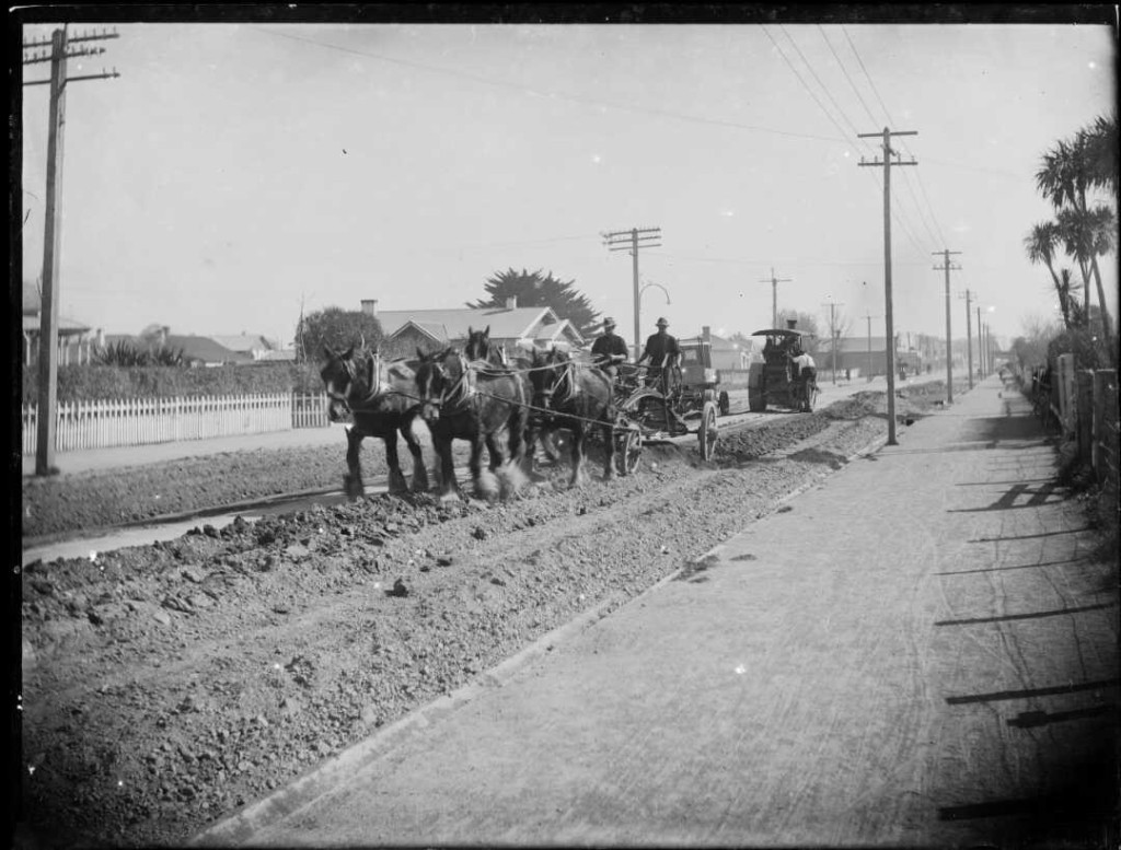 Road construction using horses and a steam roller. Ref: 1/1-004744-G. Alexander Turnbull Library, Wellington, New Zealand. /records/22848759